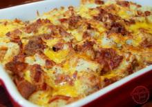 Sajtos rakott tészta baconnel és fincsi fűszerezéssel