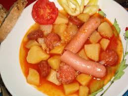 Magyaros krumpli paprikás kolbásszal